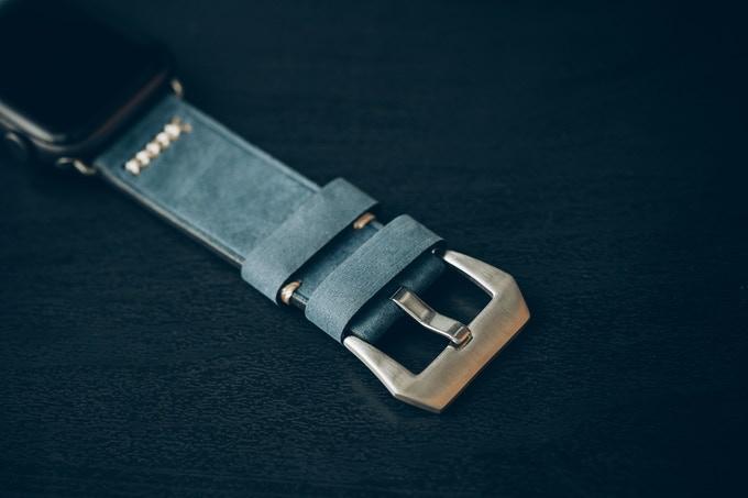 Classic link bracelet design, inspired by top Swiss luxury watch brands