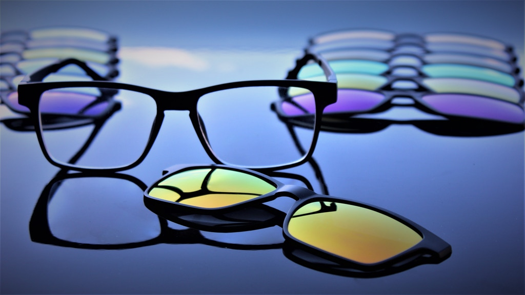 Visual Assistant - Customizable Magnetic Eyewear System project video thumbnail
