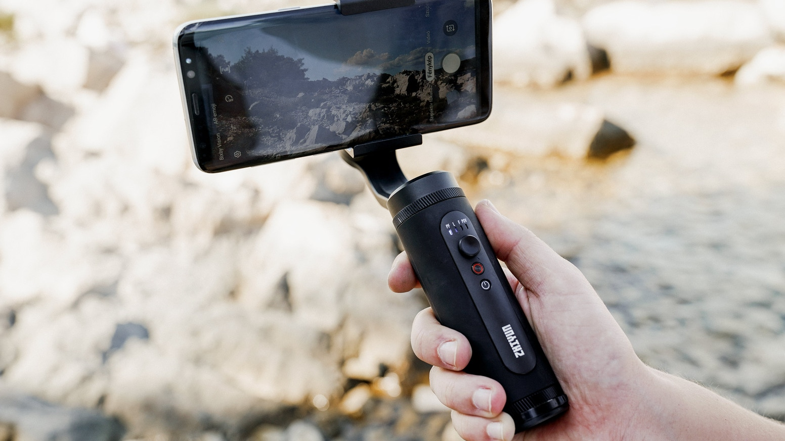SMOOTH-Q2 is the small size mobile phone gimbal ever created by ZHIYUN, one that is born to empower everyone to be a filmmaker.