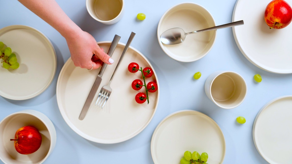 Modern Dinnerware Sets from Portugal - Far & Away project video thumbnail