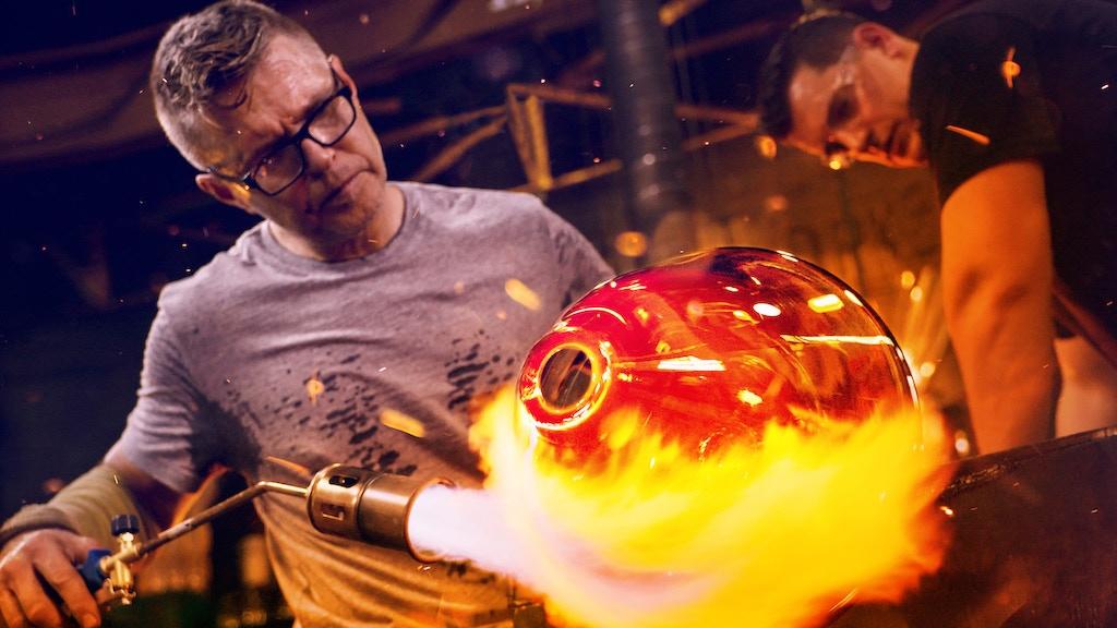 "Janusz Pozniak of ""Blown Away"" wants to Empower Makers! project video thumbnail"