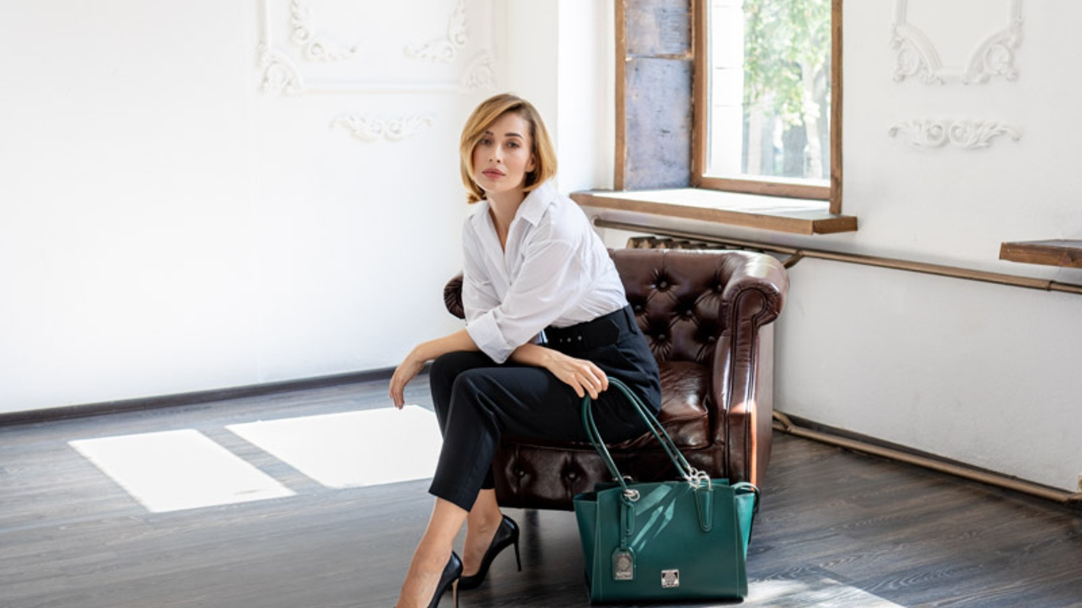 Meet the new collection of smart leather luxury Clover bags from clutch, backpack and tote to other exclusive handbags.
