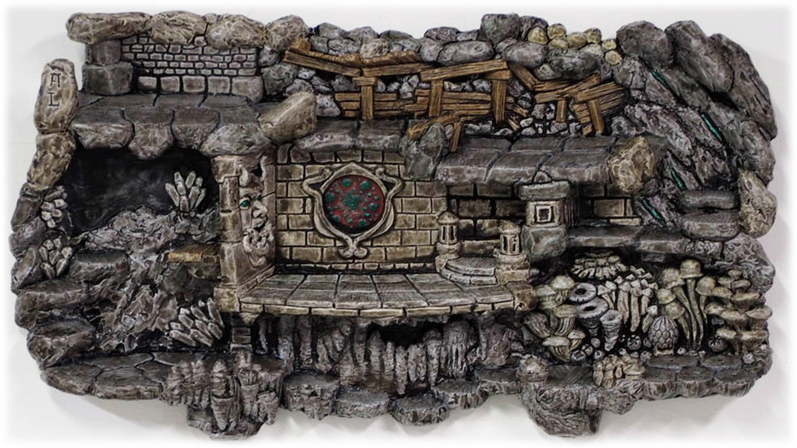 Storage, Play & Display: Engaging wall hanging dioramas for your game miniatures.