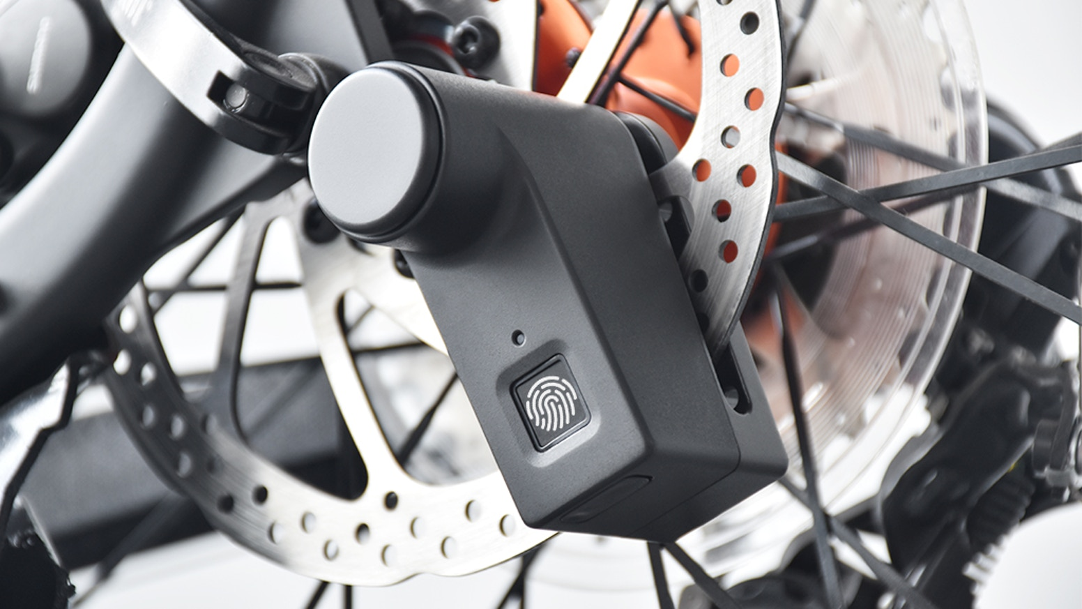 Fingerprint Unlock/ Only 220g/ Press-type Lock/ 20S Automatic Protect/ Anti-theft/ IP65/ Fits both for motorcycles and bicycles