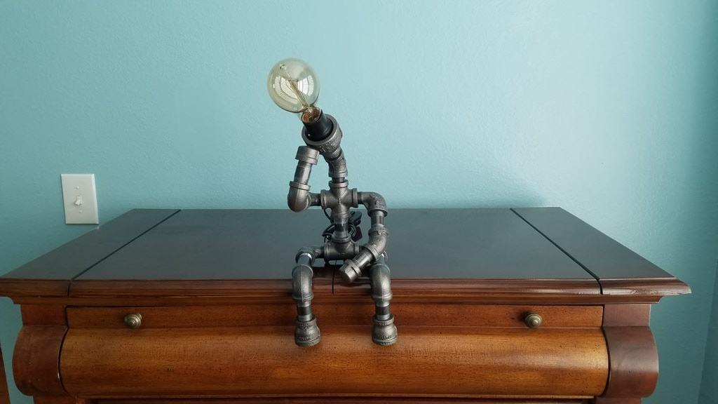 Make 100: The Thinker Steampunk Lamp project video thumbnail