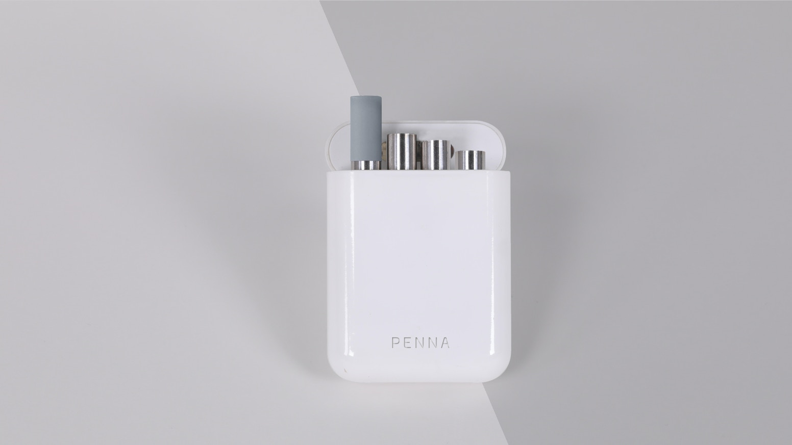 Penna Straw - The Portable Straw With UV sterilization System. No plastic. No wastage. No germs
