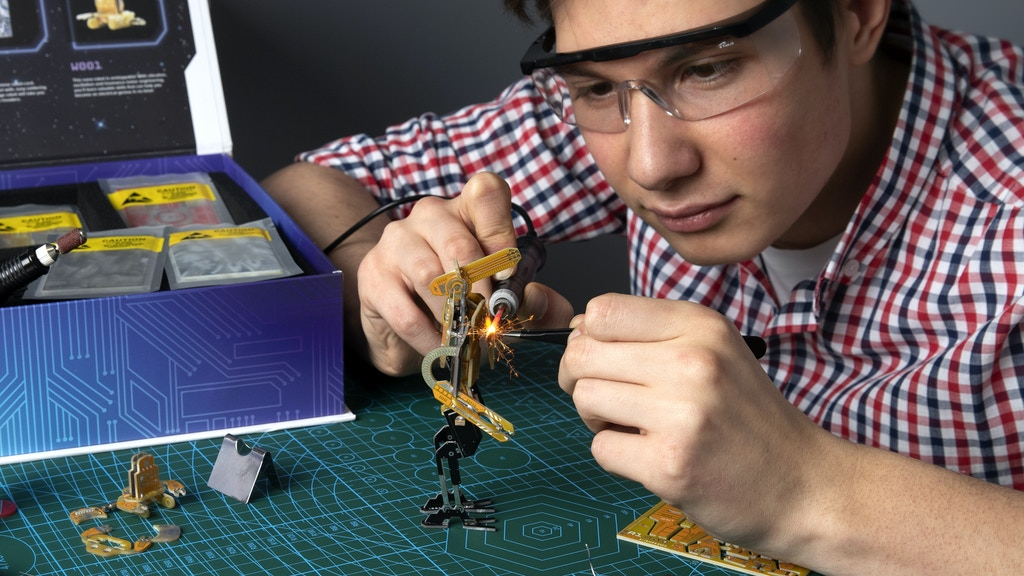 Robotics Construction Kit by Geeek Club project video thumbnail
