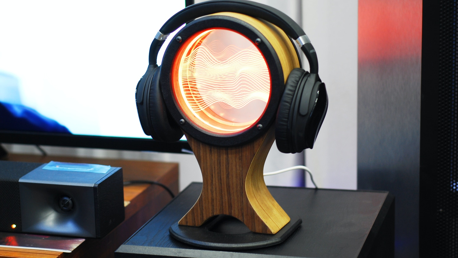 A headphone stand that stands out with light