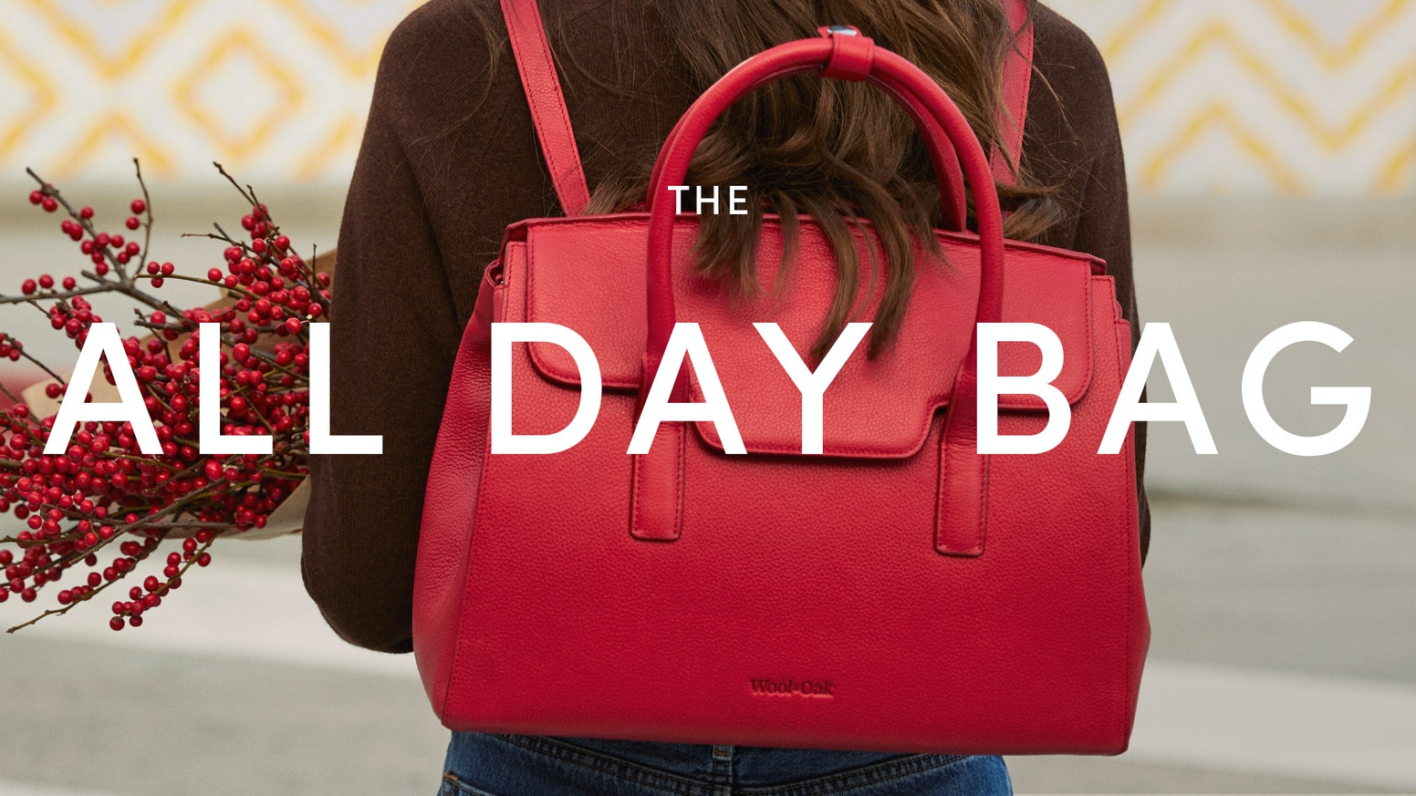 From handbag to backpack, to shoulder bag—our convertible ALL DAY BAG is a multi-tasking masterpiece.