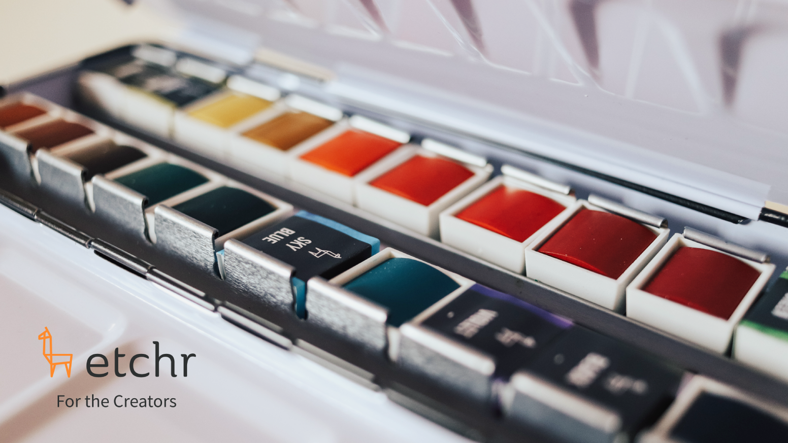 Hand-picked watercolours in a set of 24 half-pans.