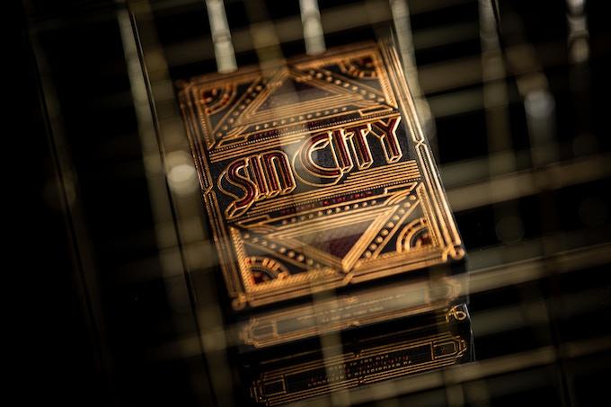 """Découvrez les Cartes à jouer """"Sin City"""" sur Kickstarter! 3"""