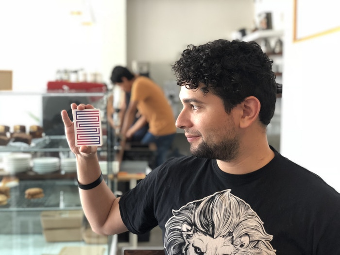 Héctor Pérez and his Enigmacards
