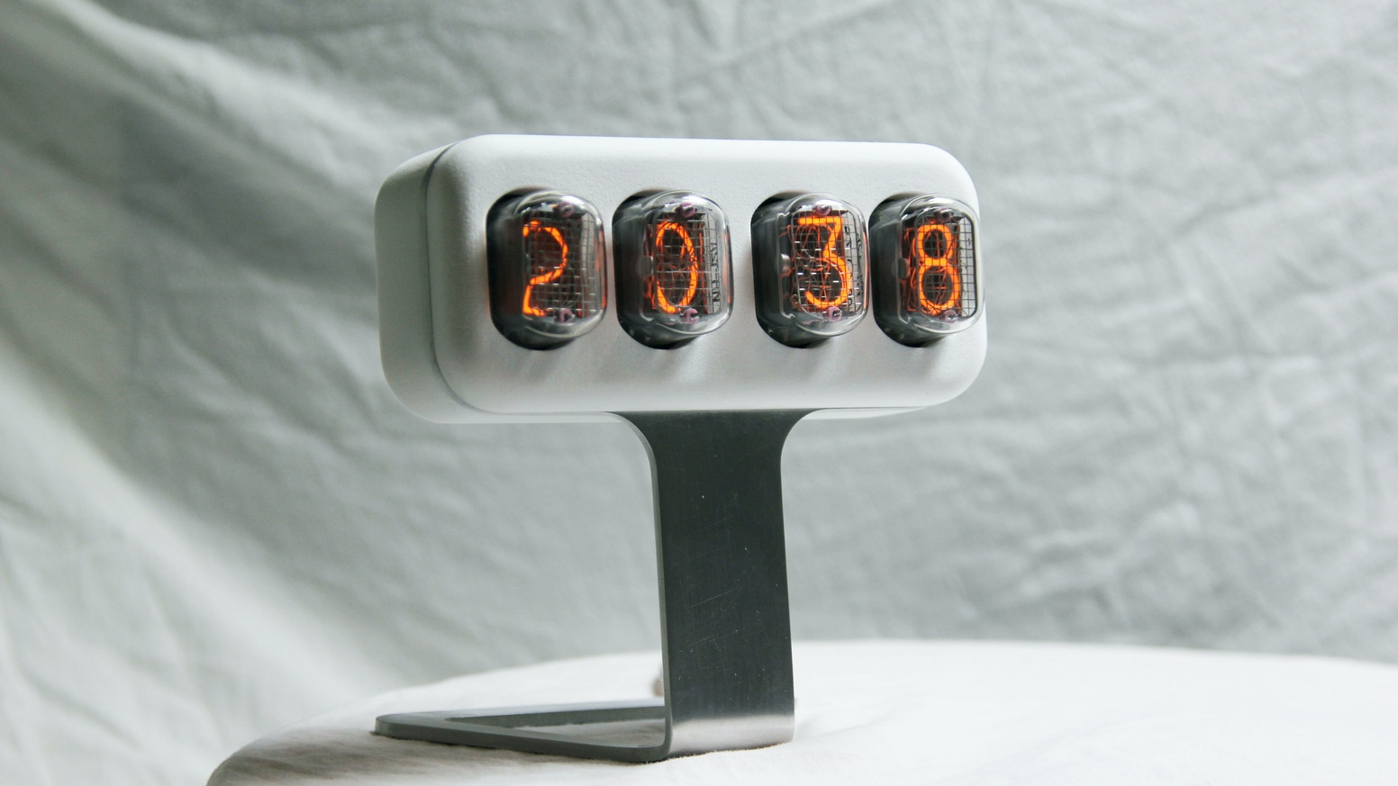 NIXLER: limited edition nixie tube clock