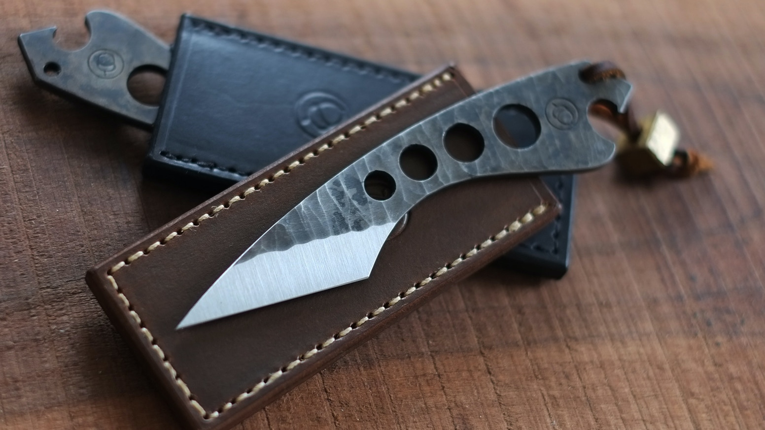 A minimalist pocket tool designed for a lifetime of utility.