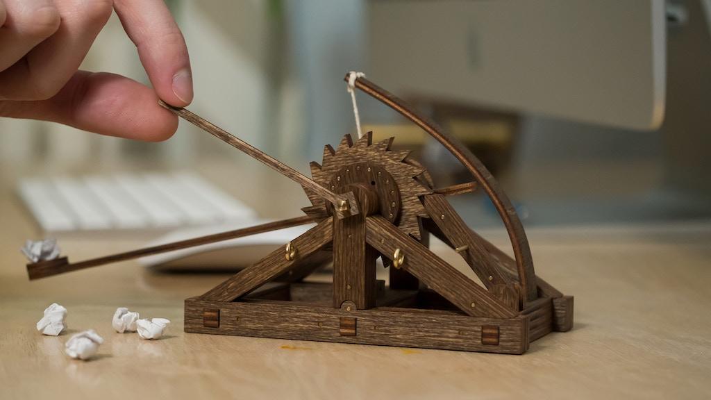 Desktop Da Vinci Catapult project video thumbnail