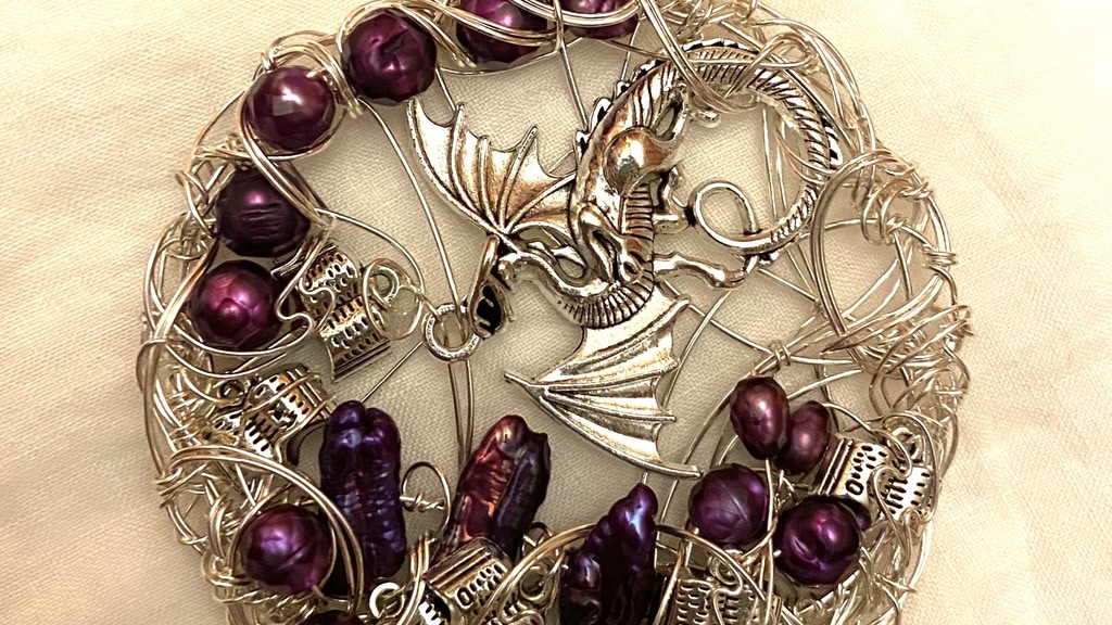"""""""Wandering Wire"""" jewelry videos with LionessElise project video thumbnail"""