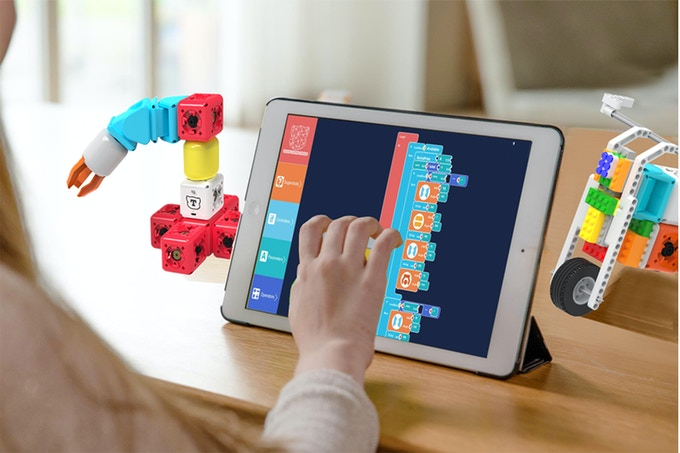 Sugarobots:Modular Robots, Coding, Engage, Entertain&Educate