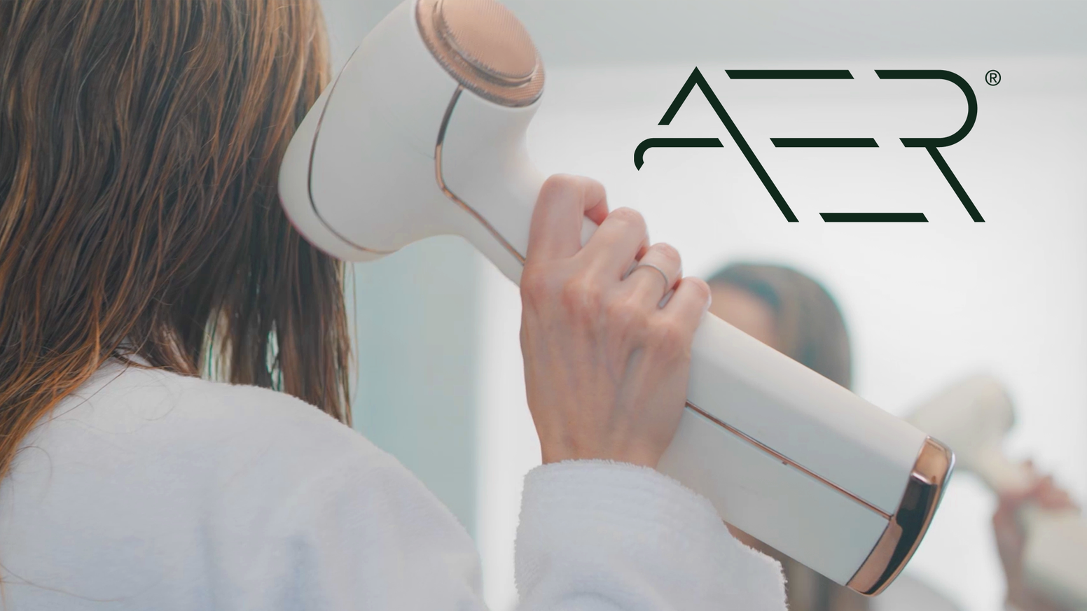The first high performance, artificially intelligent, cordless hair dryer.