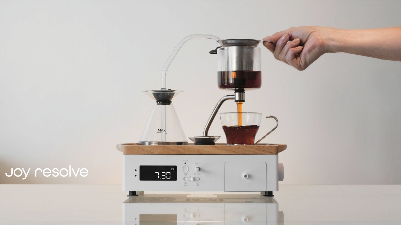 Automatic Immersion Brewer with Alarm Clock Functionality & Wireless Charging