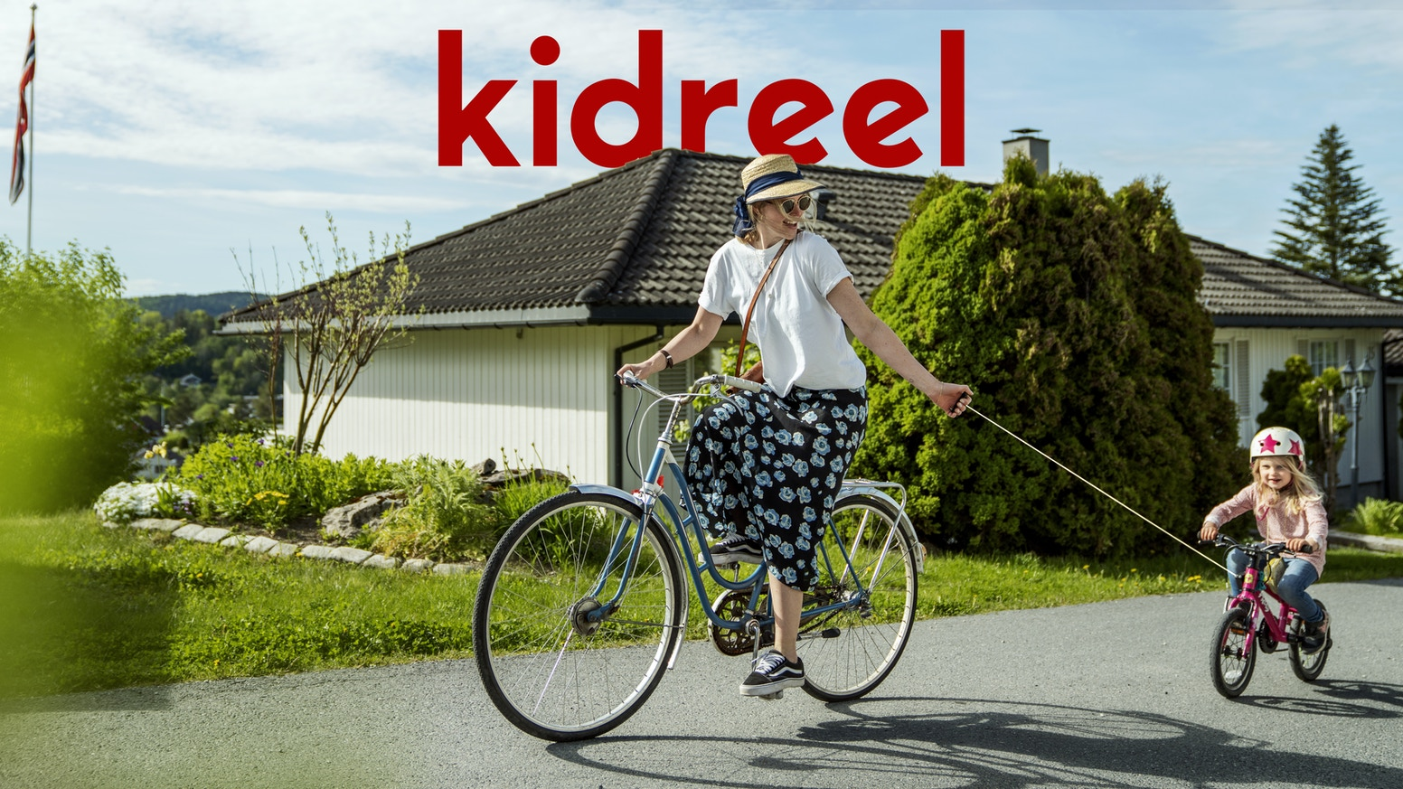 Kidreel let parents bring their children along for adventures and it helps families choose the bike over the car in everyday life.