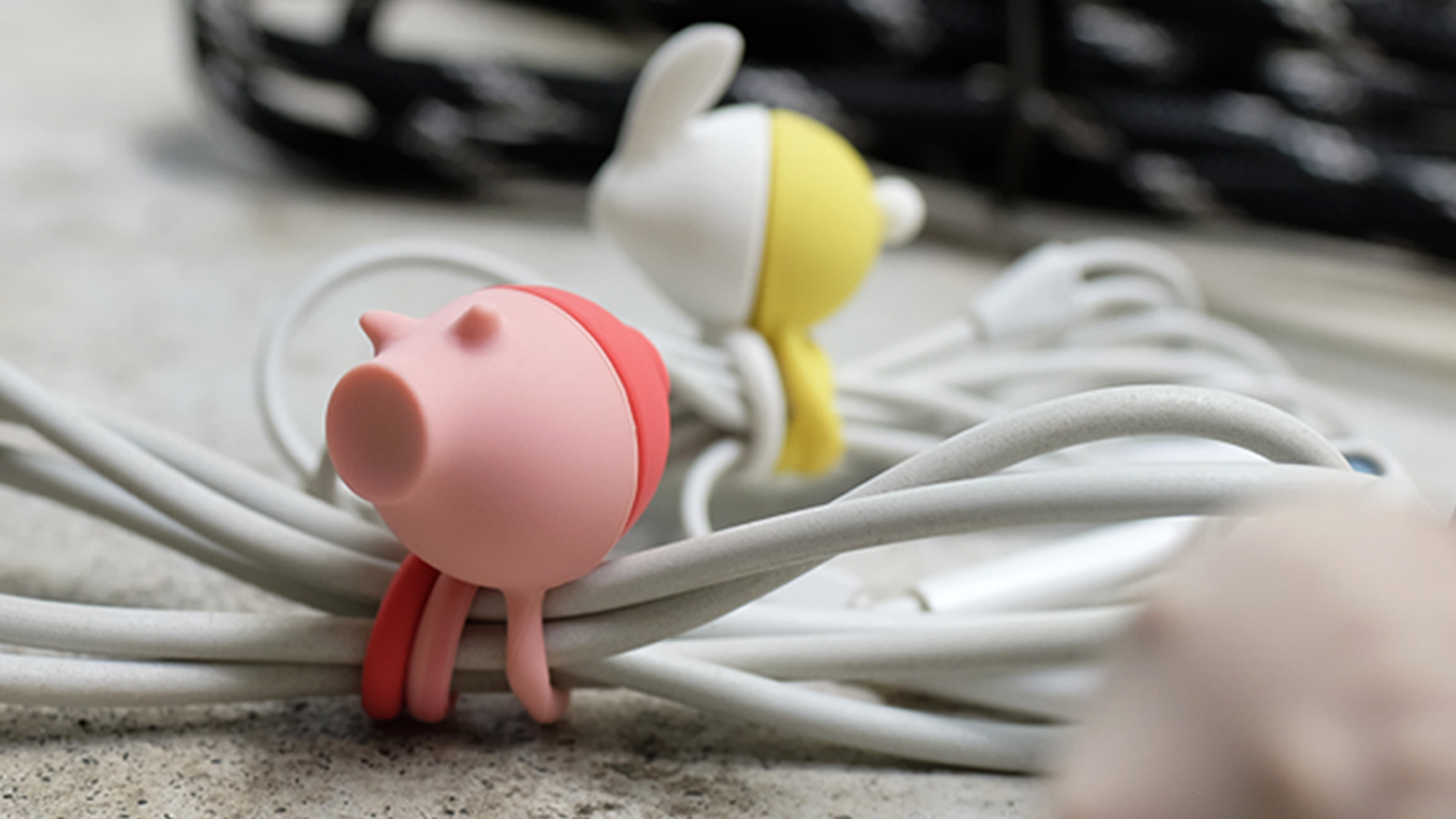 Magnetic, flexible, fit for all cables. The best organizing solution with adorable animal shapes. FREE shipping!