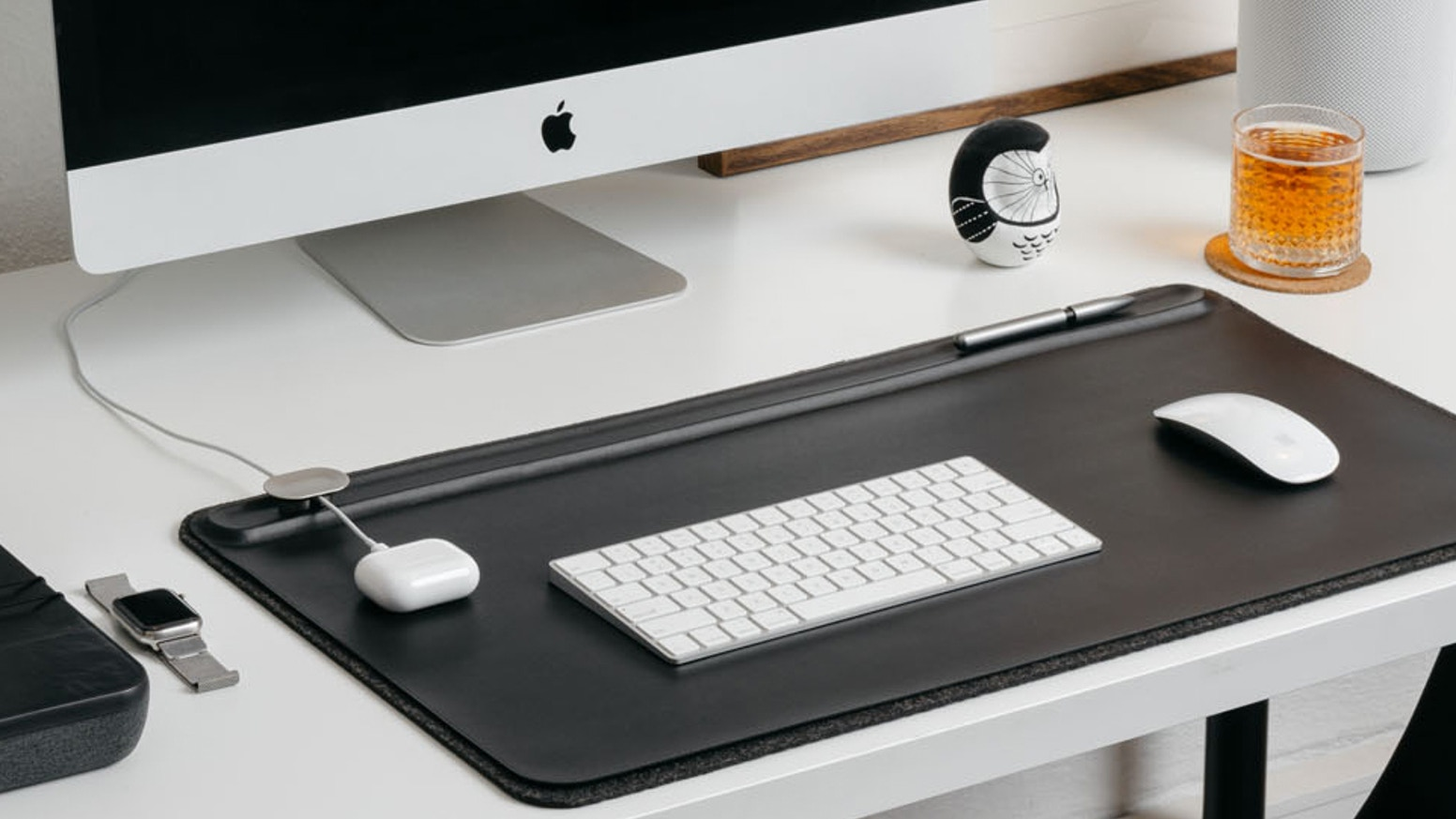 A clever desk mat with built-in organisational features.
