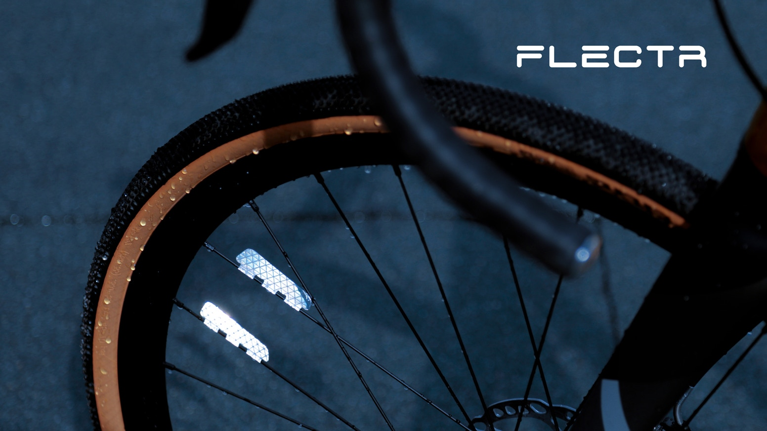 The performance bike reflector for your night ride. No air drag, no weight & 90% less raw materials. Edition 2020.