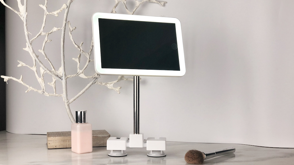 Project image for MYMIRROR STAND: ALL-IN-ONE at Home & Travel Friendly Mirror (Canceled)