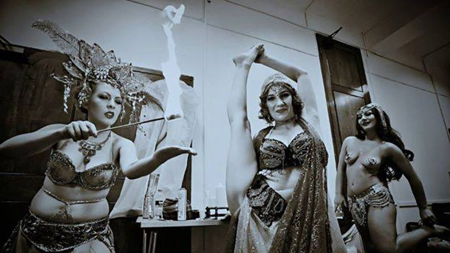 TO ACCESS THE EVENT PLEASE GO TO www.LONDONBURLESQUEFEST.com