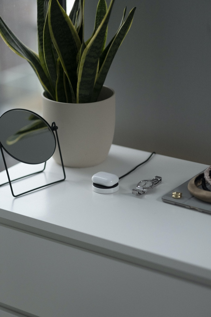 Biscuit: A Zirconia Ceramic Wireless Charger
