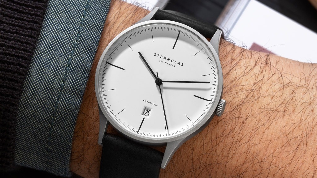 STERNGLAS Asthet — The ultra-slim Bauhaus automatic watch project video thumbnail