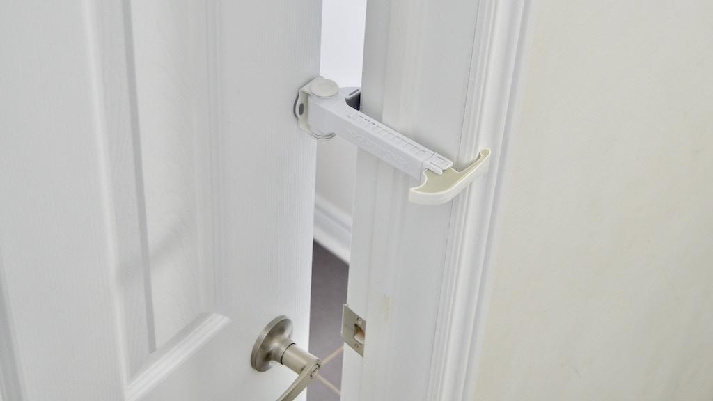 DOORWING Door Lock and Finger Guard- 35% Savings
