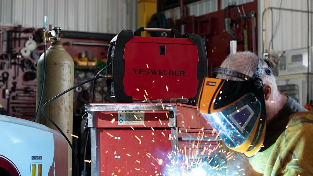 YesWelder FIRSTESS™ MP200 5-in-1 Welder & Cutter