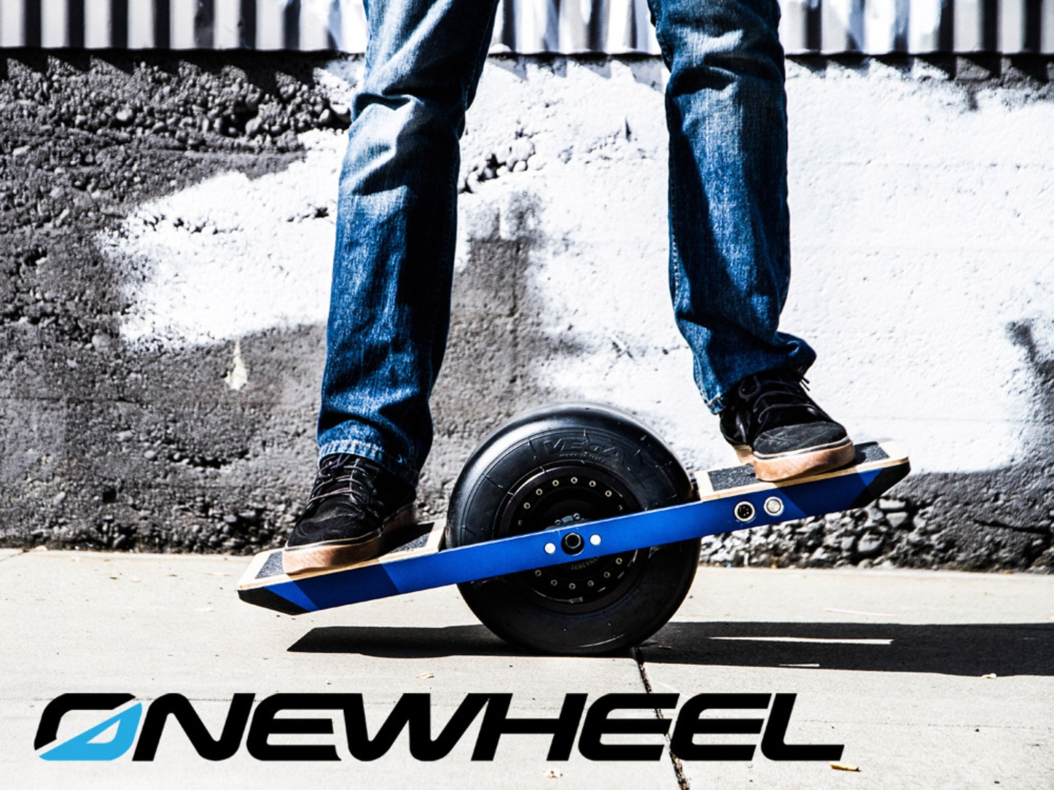 onewheel the revolutionary electric boardsport that gives you the feeling of flying. Black Bedroom Furniture Sets. Home Design Ideas