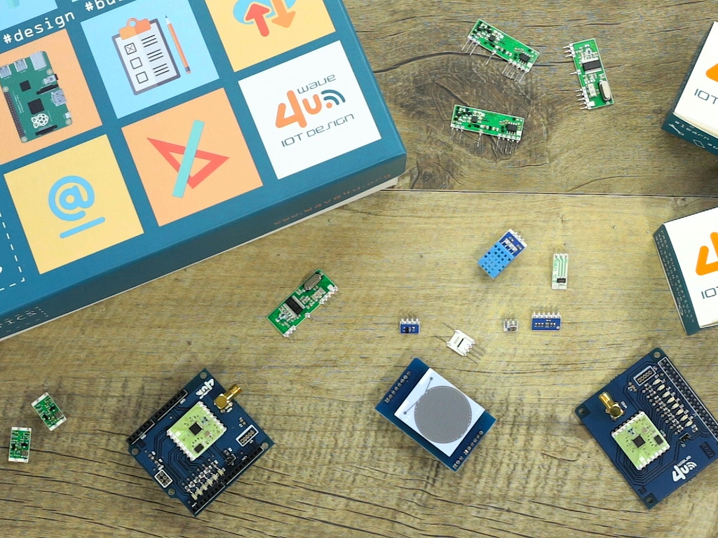 Domotics Kit: an IoT platform for every Smart Home